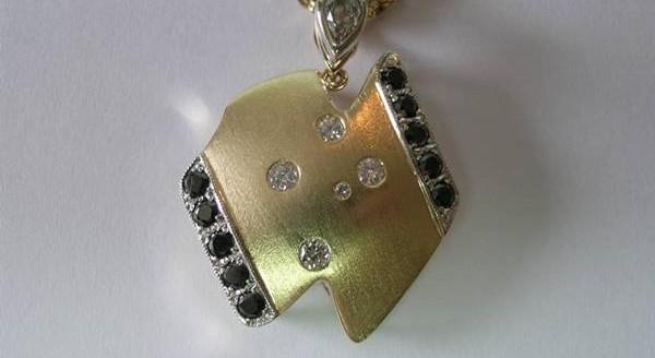 Diamond Australia pendant