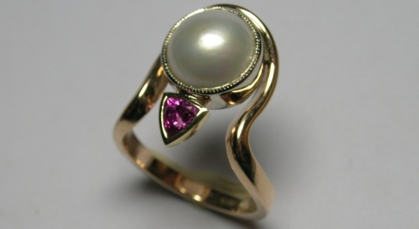 Contemporary pearl and pink sapphire dress ring