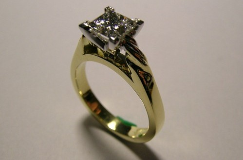 Solitaire princess cut diamond engagement ring