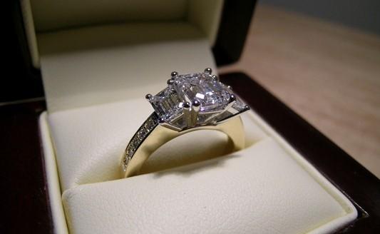 Exquisite emerald cut diamond engagement ring