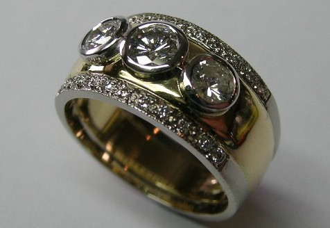 Contemporary style brilliant cut diamond ladies engagement ring