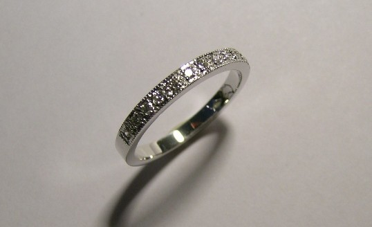 Platinum diamond ladies wedding ring