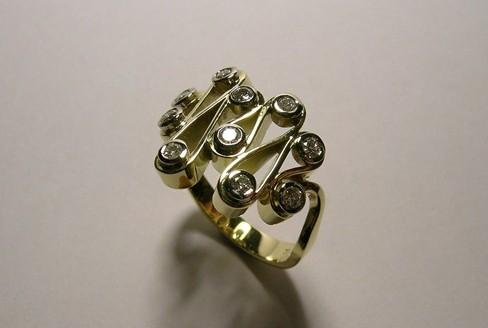 Contemporary style brilliant cut diamond ladies dress ring