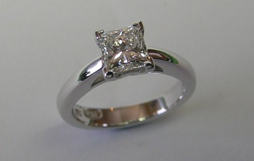 Beautiful solitaire princess cut diamond engagement ring
