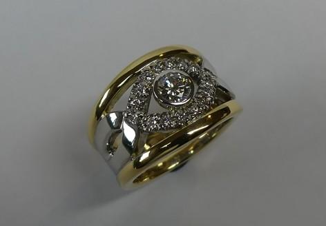 Exquisite handcrafted ladies diamond occasion ring